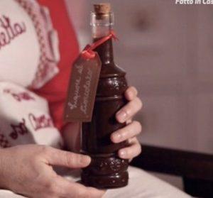 Fatto in casa per voi: ricetta liquore al cioccolato di Benedetta