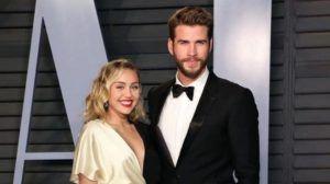 Miley Cyrus e Liam Hemsworth divorziano: lei bacia Kaitlynn Carter