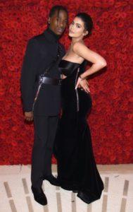 Kylie Jenner tradita da Travis Scott? Ecco la verità