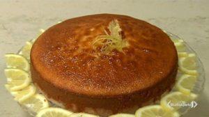 Cotto e mangiato, oggi 10 maggio: torta al limone di Tessa Gelisio