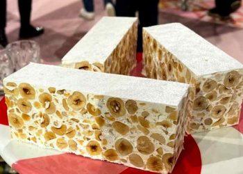 Torrone morbido nocciole e miele è sempre mezzogiorno