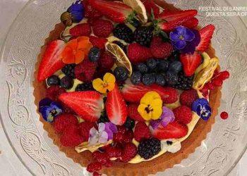 Torta di frutta con crema al limone è sempre mezzogiorno