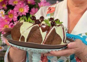 Bundt cake cioccolato bianco e amarene è sempre mezzogiorno