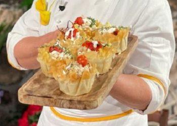 Cestini croccanti con insalata di tacchino è sempre mezzogiorno